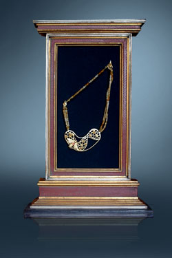 Honeycomb necklace in frame