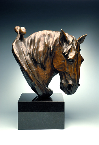 "Photo of sculpture ""Tom, the horse"""