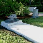 trumpeter_headstone