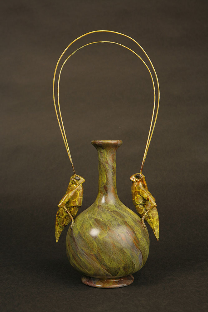 grasshopoper-vase-2